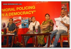 Charu_Nivedita_at_the_Outlook_Speak_Out_Debate_2010,_Chennai_1
