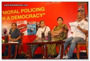 Charu_Nivedita_at_the_Outlook_Speak_Out_Debate_2010,_Chennai_1